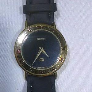 Gucci Watches model 3000 L swiss 6 jewel